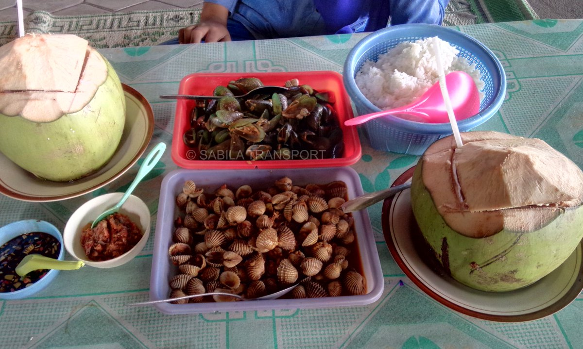 Pantai Depok Mencicipi Aneka Kuliner Sea Food Lezat