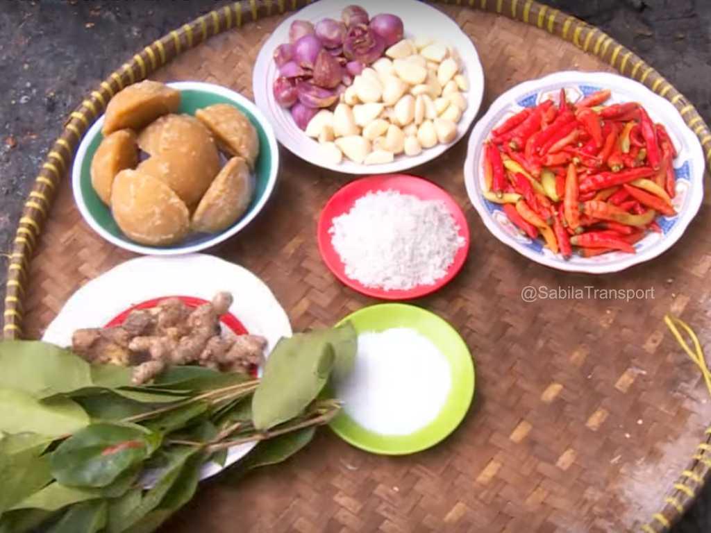 Siapa bilang masakan Jogja didominasi rasa cantik saja Oseng – Oseng Mercon
